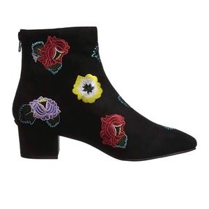 Betsey Johnson twiggy boot size 8